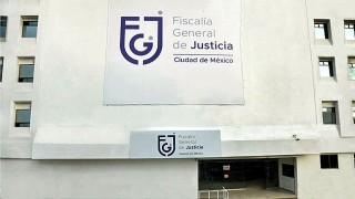 Efectivos de la SSC y la FGJ ejecutaron una orden de cateo en un domicilio en Venustiano Carranza